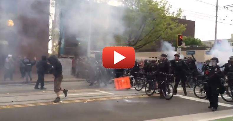 seattle-resembles-war-zone-as-police-and-protesters-clash