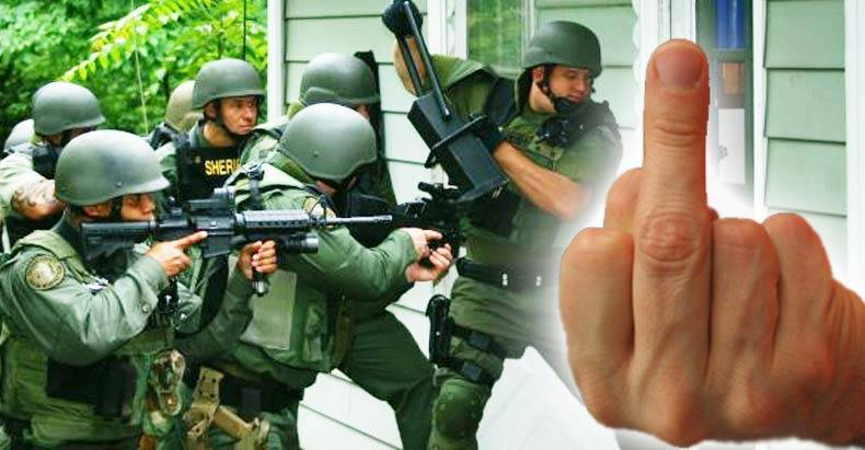 Woman-Flipped-Off-the-Mayor,-So-He-Had-a-SWAT-Team-Raid-Her-House1