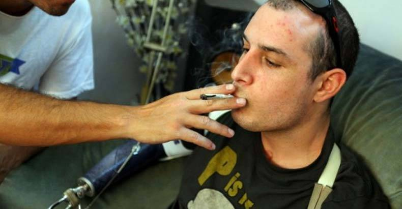 Feds-Recognize-Power-of-Pot,-Approve-Bill-Allowing-Vets-Access-to-Medical-Marijuana